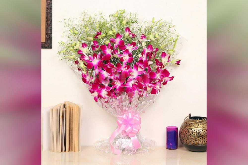 6 Orchids in cellophane Bouquet
