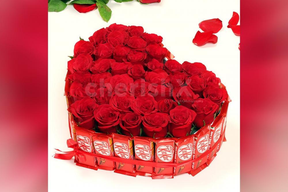 Kitkat Rosey Arrangement