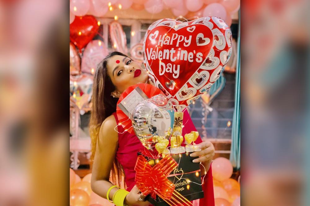 Valentine's Day Bucket