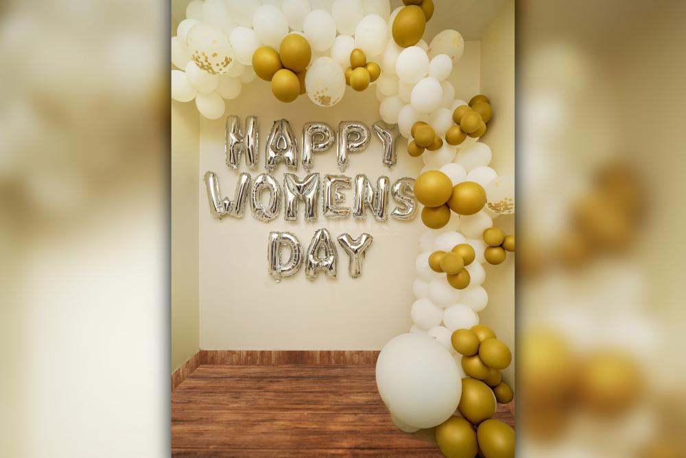 Happy Women's Day Decor