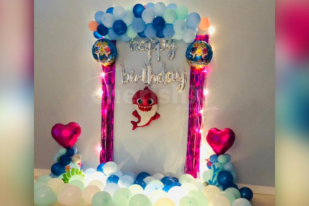 Have a great birthday party with Baby shark birthday decor!