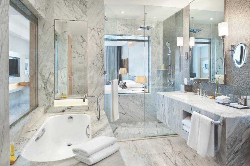Daycation in King/Twin Room with Bath Tub
