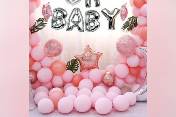 Surprise the mother-to-be with this unique 'oh baby' shower decor by CherishX!