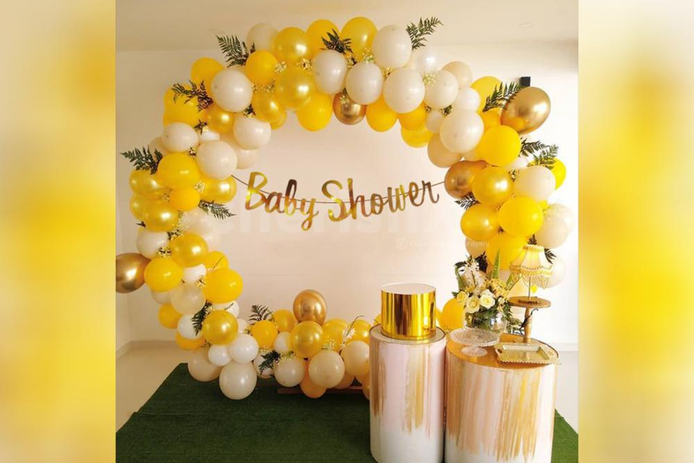 The decor is designed with gorgeous colour balloons to make your event more attractive.