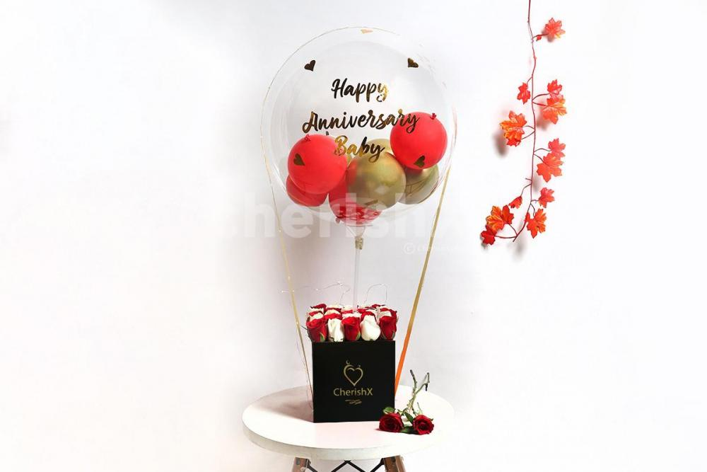 Red & Golden Balloon Bucket for Anniversary Gift in Bangalore