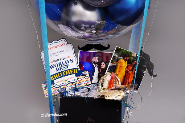 A closer look of the items in the Blue Rakhi Bucket.