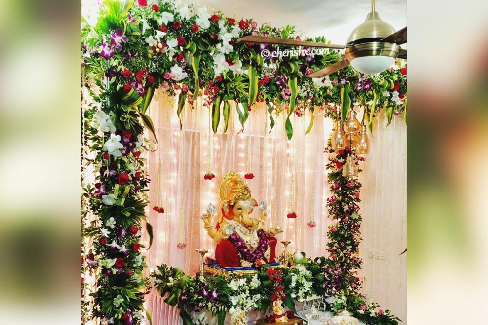Ganesh Chaturthi Multicolour Flower Decor