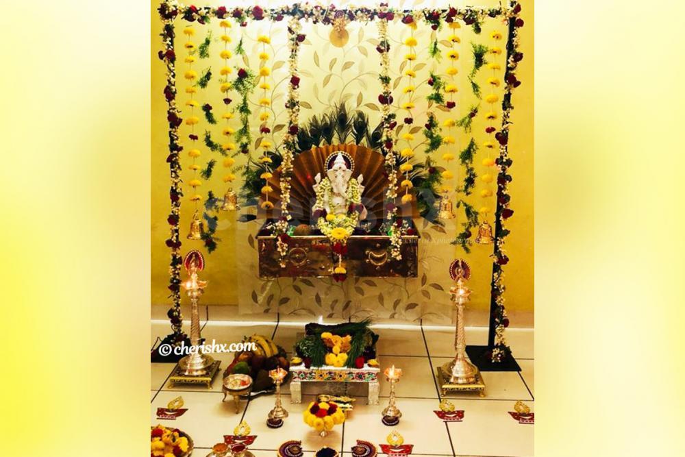Ganpati Assorted Flower Decor