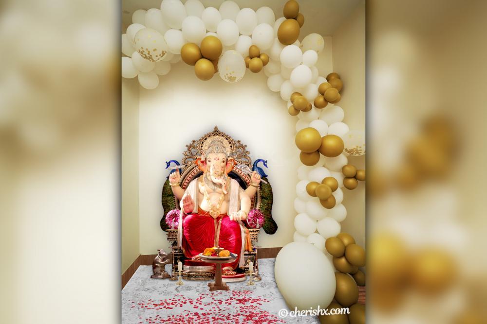 Ganpati White and Golden Decor