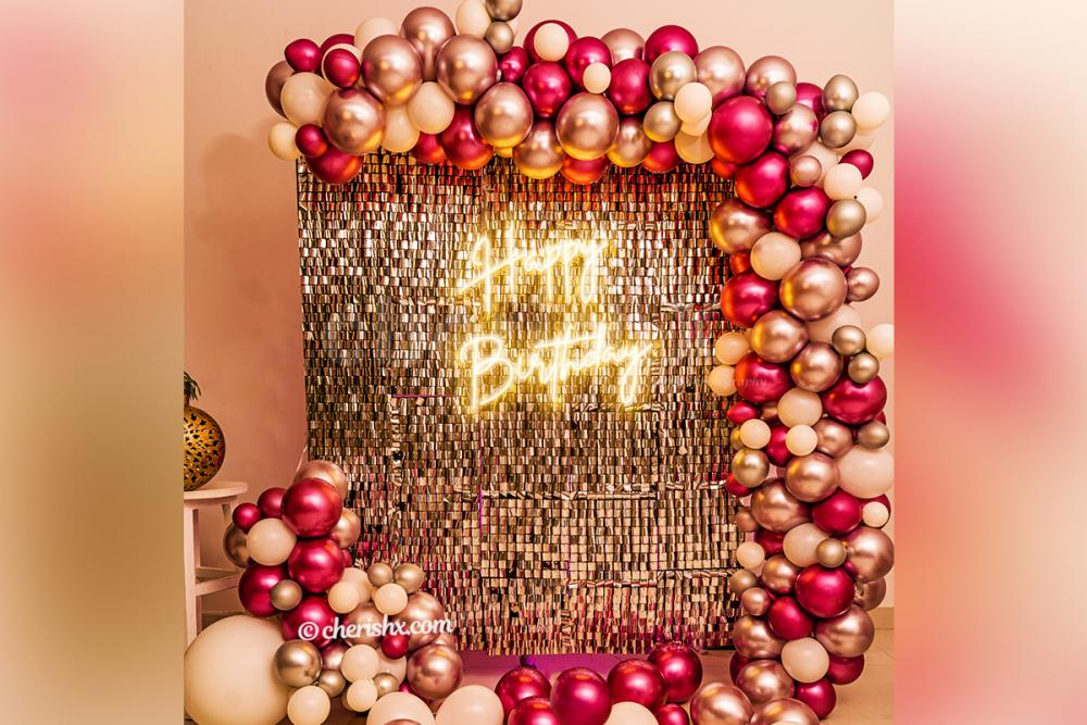 Breathtaking Sequins Pink and Silver Decor for your birthday party!
