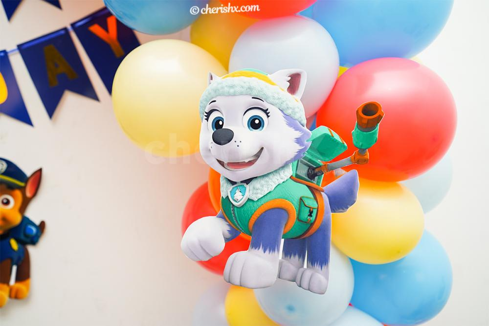 Cut-out of the character of PAW Patrol; Rubble.
